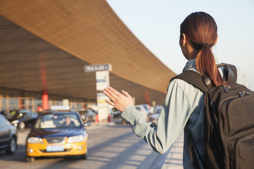 タクシーに乗るときに使える英語フレーズ